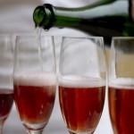 Шампанское из красной смородины.