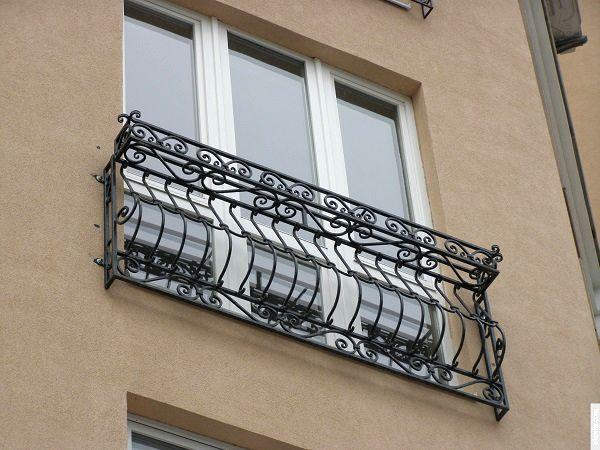 современный французский балкон