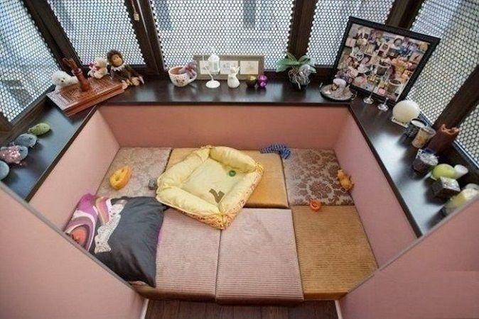 балкон в подушках