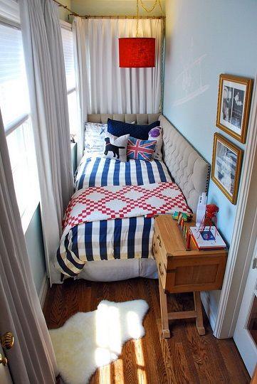 спальня на маленьком балконе