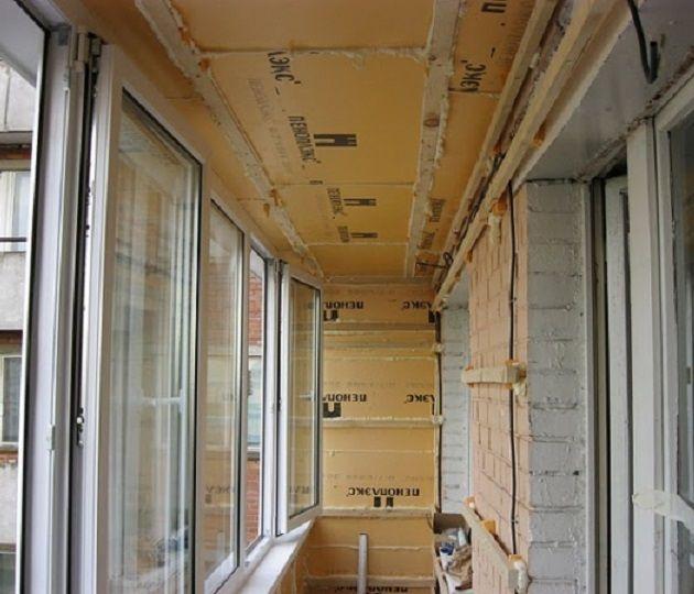 Как сделать потолки на балконе 470