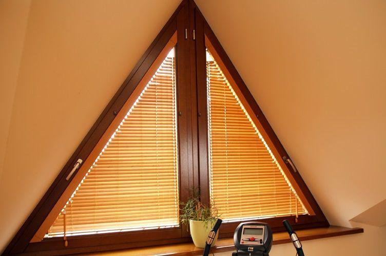 треугольное металлопластиковое окно