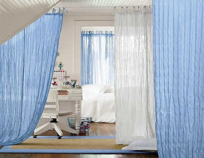 разделение шторами детской комнаты