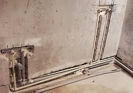 прокладка водопровода в штрабе стены
