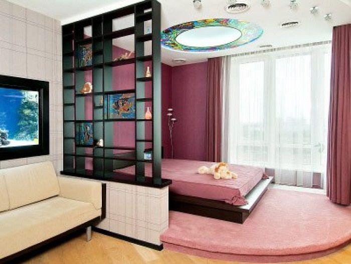 зонирование комнаты разноуровневым полом