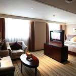 зонирование с помощью потолка и мебели